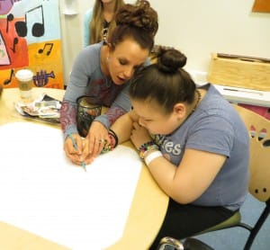 Britney Spears Joins Patients for Art Therapy