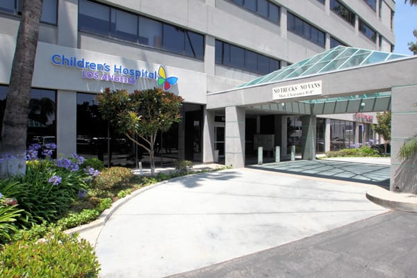CHLA-Encino-Outpatient-Center-2015-Large.jpg