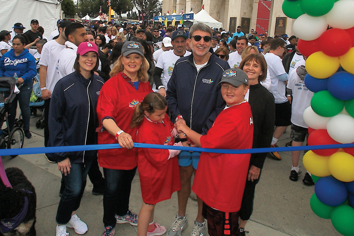 Left to right: Alexandra Carter, CHLA Senior Vice President and Chief Development Officer; Mary Hart, a member of the CHLA Foundation Board of Trustees; Paul S. Viviano, CHLA President and CEO; and members of the Viviano family kicking off the 3K walk