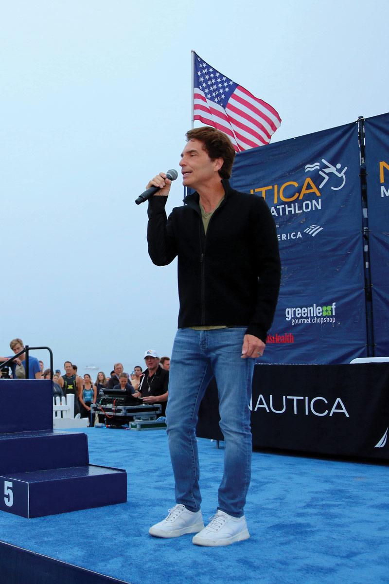 Singer Richard Marx performed an inspiring rendition of the national anthem.