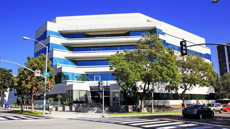 Building image of the CHLA Santa Monica Specialty Care Center