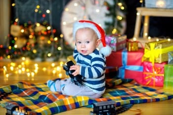 Holiday Gift Guide for the Developing Baby